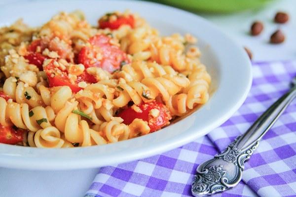 pasta-hazelnuts