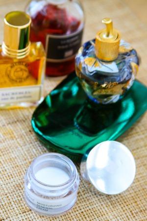 making-scented-cream
