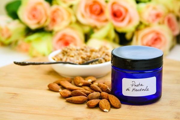 almond-paste-cream