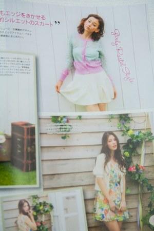 roses-magazine5